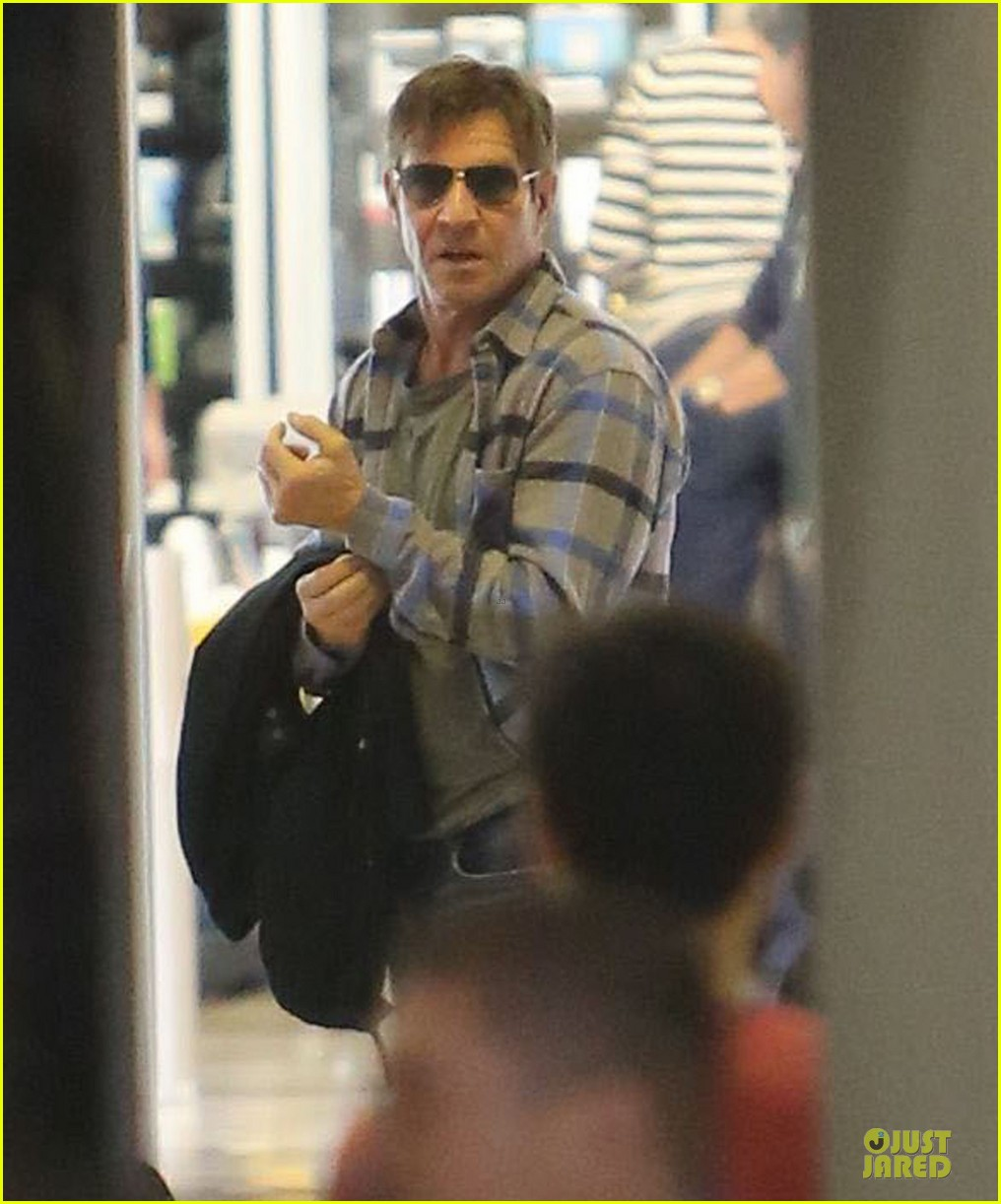 dennis quaid lax departure with a mystery woman 14