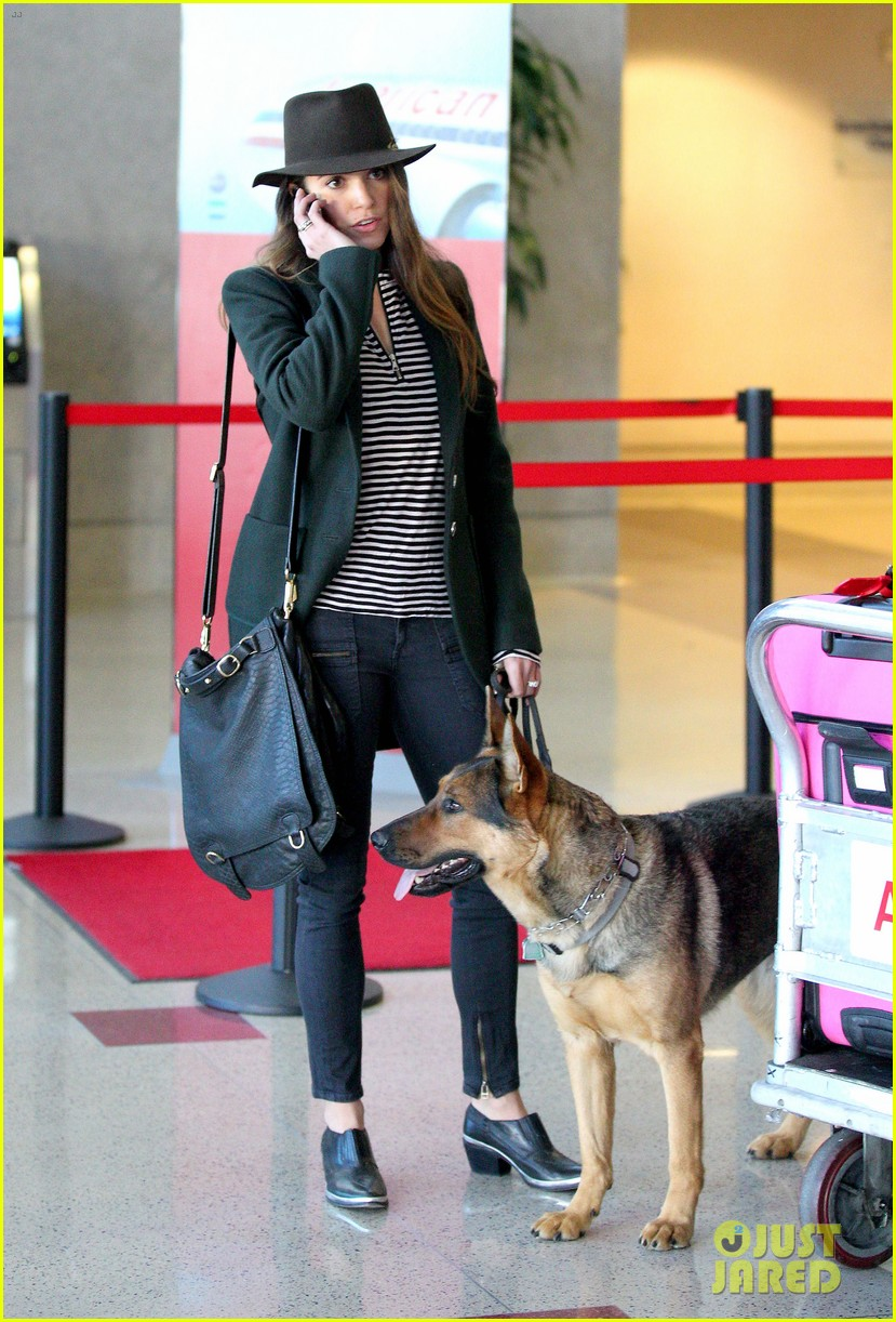 nikki reed paul mcdonald airport with pups 10
