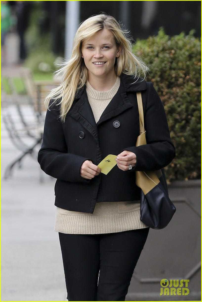 mindy kaling reese witherspoon lunch 04