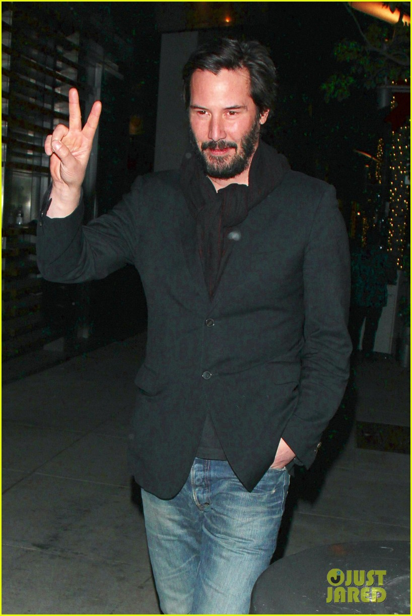 keanu reeves peace out 2012 02