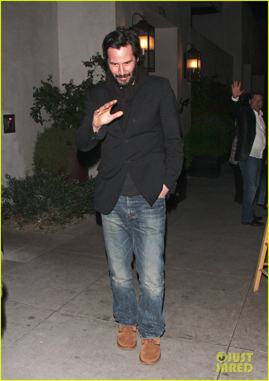 keanu reeves peace out 2012 03