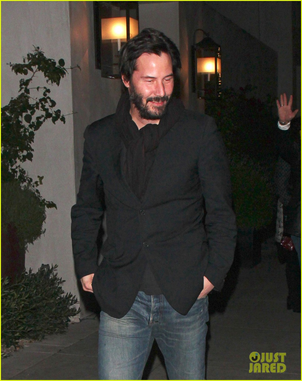keanu reeves peace out 2012 04