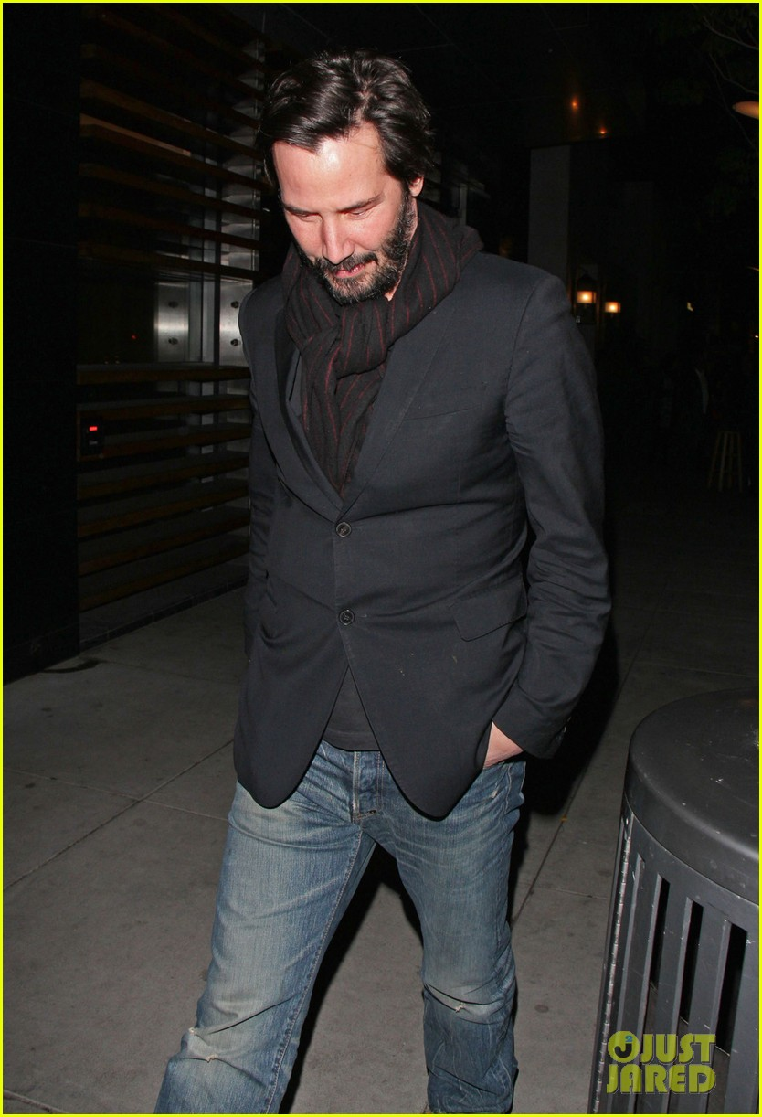 keanu reeves peace out 2012 08