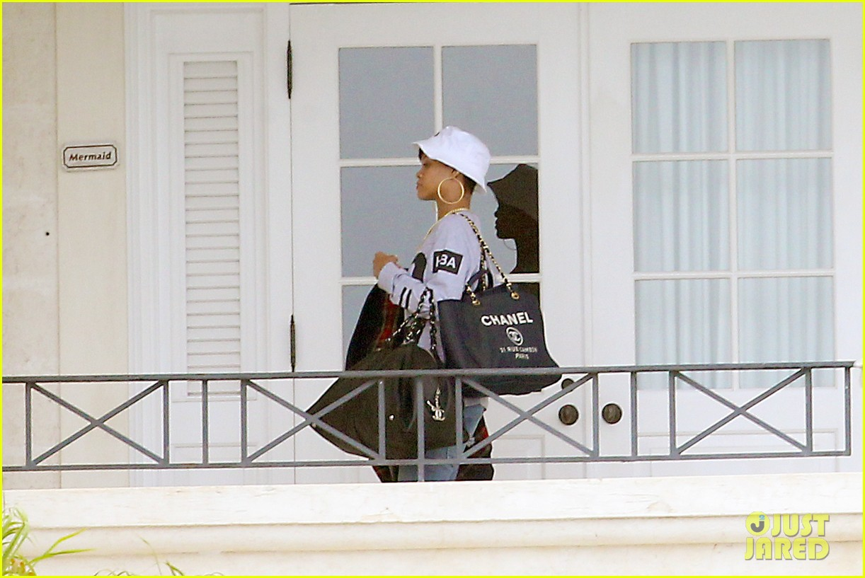 rihanna gran gran dolly memorial at barbados hospital 02