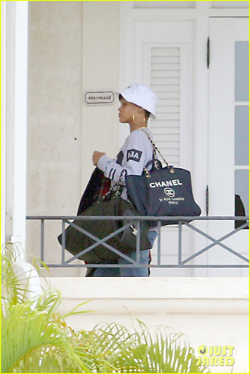 rihanna gran gran dolly memorial at barbados hospital 07