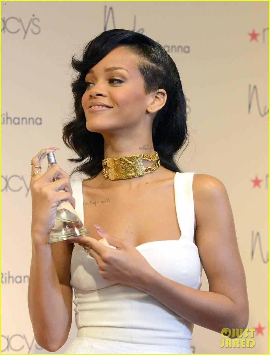 rihanna nude fragrance launch 29