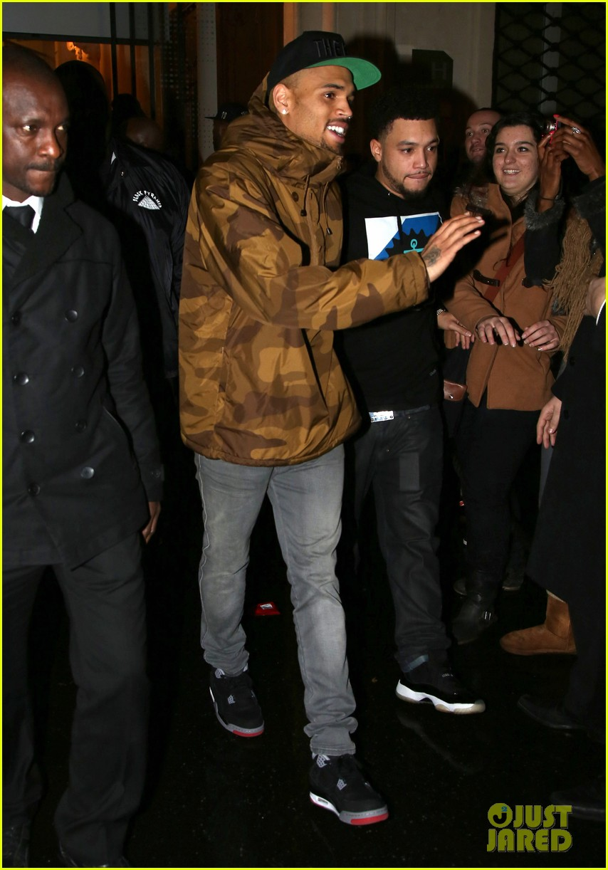 rihanna chris brown separate paris outings 11