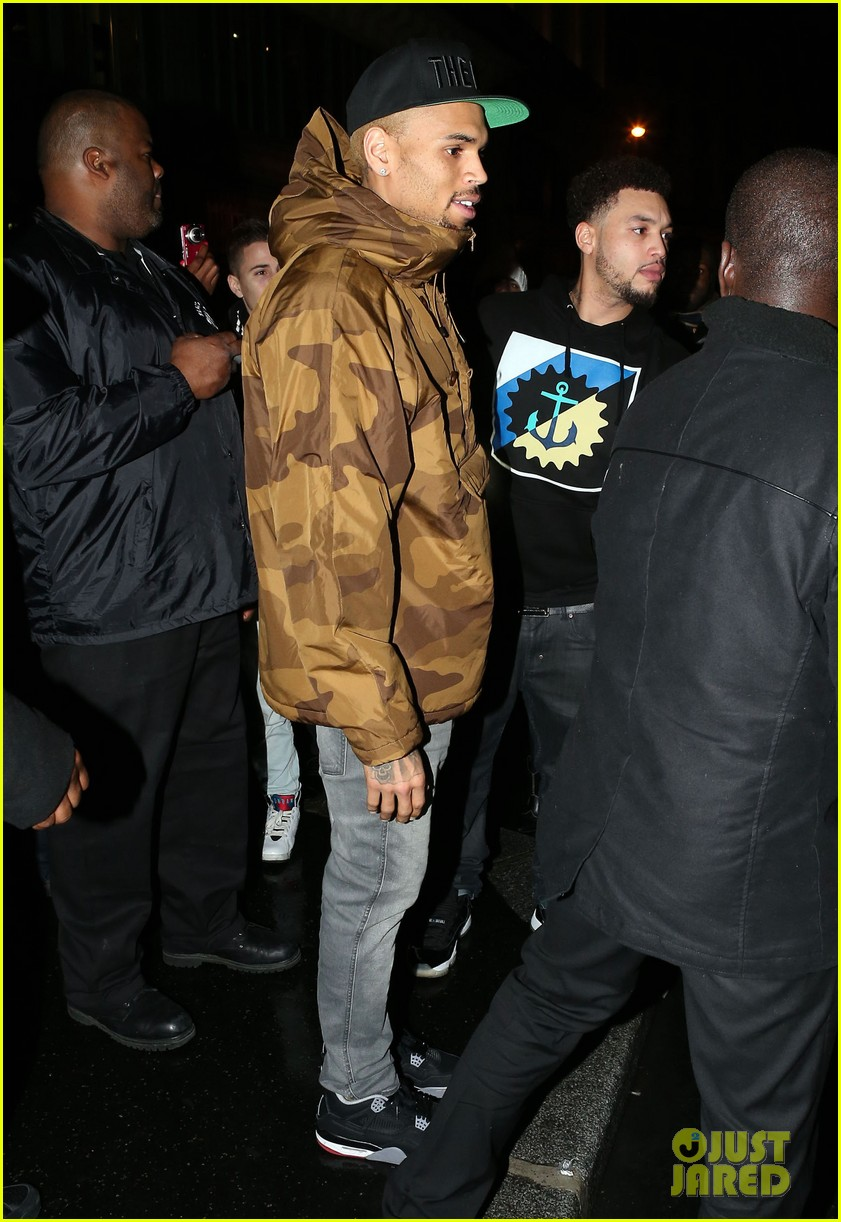 rihanna chris brown separate paris outings 15