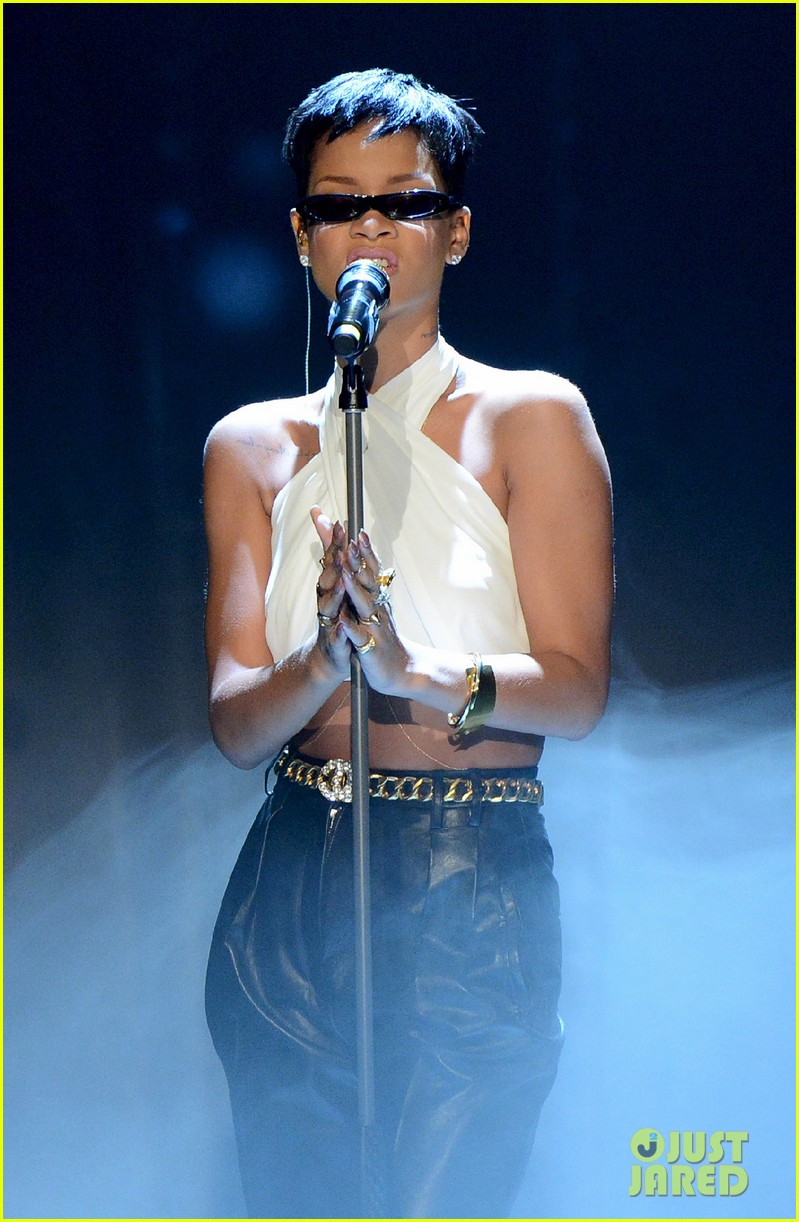 rihanna pink alicia keys wetten daas performances 022771995