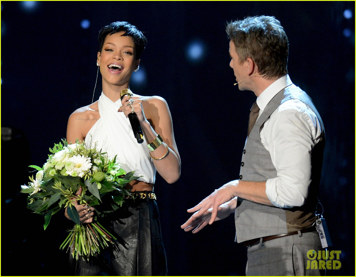 rihanna pink alicia keys wetten daas performances 12