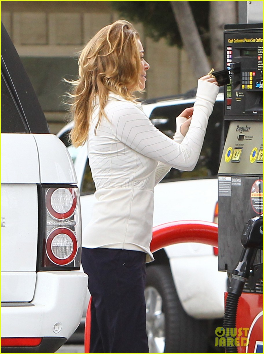 leann rimes gas station gal 062774714