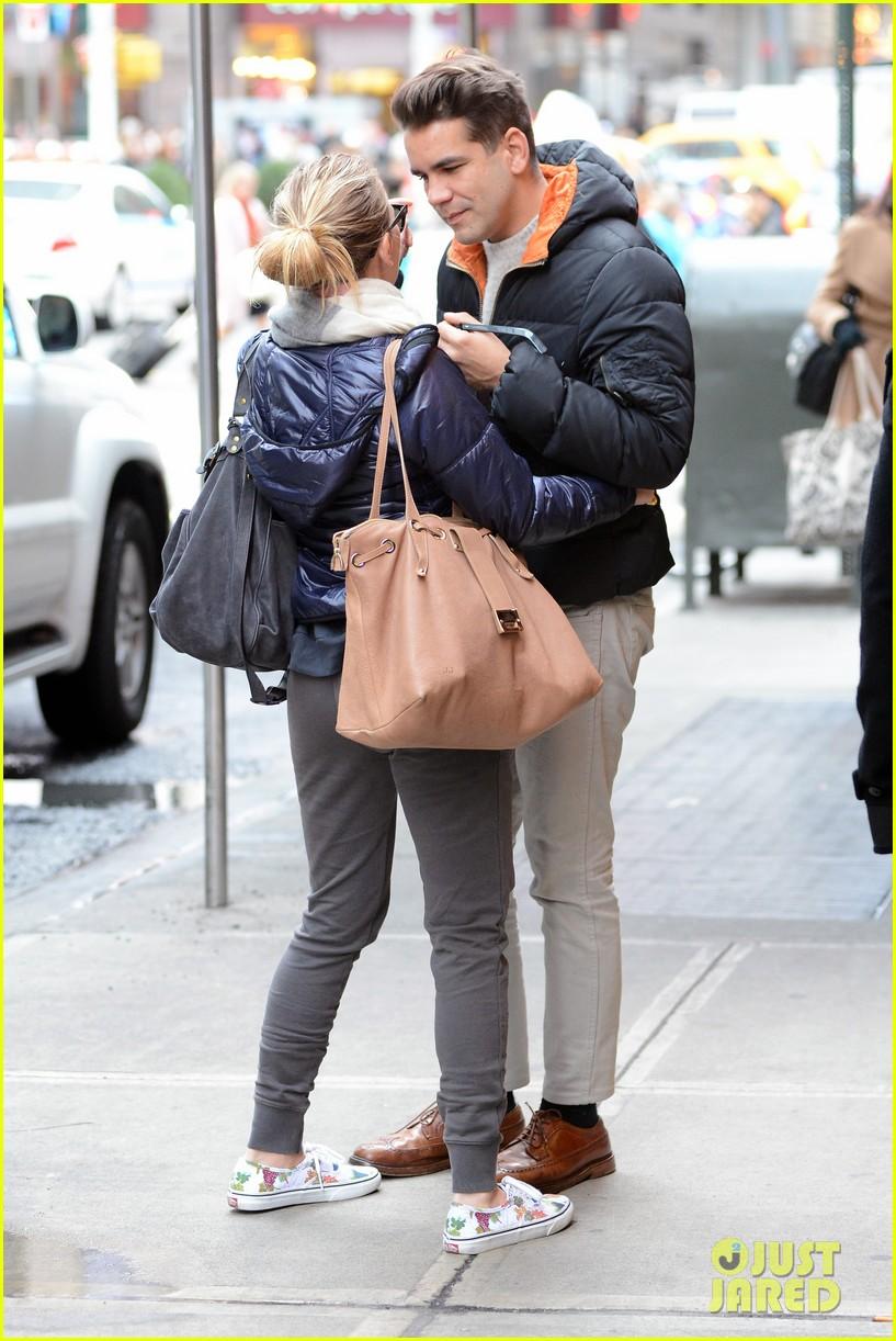 ¿Quién's new boyfriend Romain Dauriac Meet Scarlett Johansson s. (28-year-old actress apparently, actress apparently through)