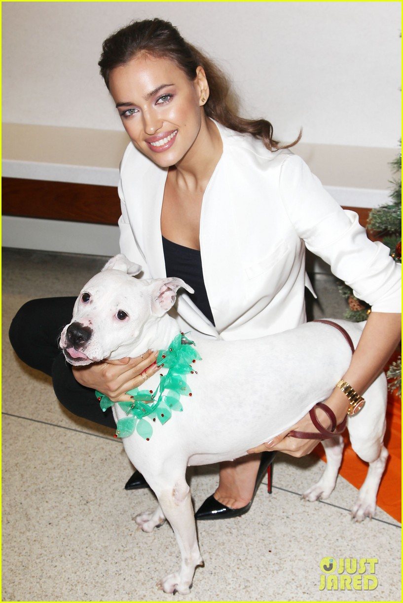 irina shayk aspca adoption center visit 08