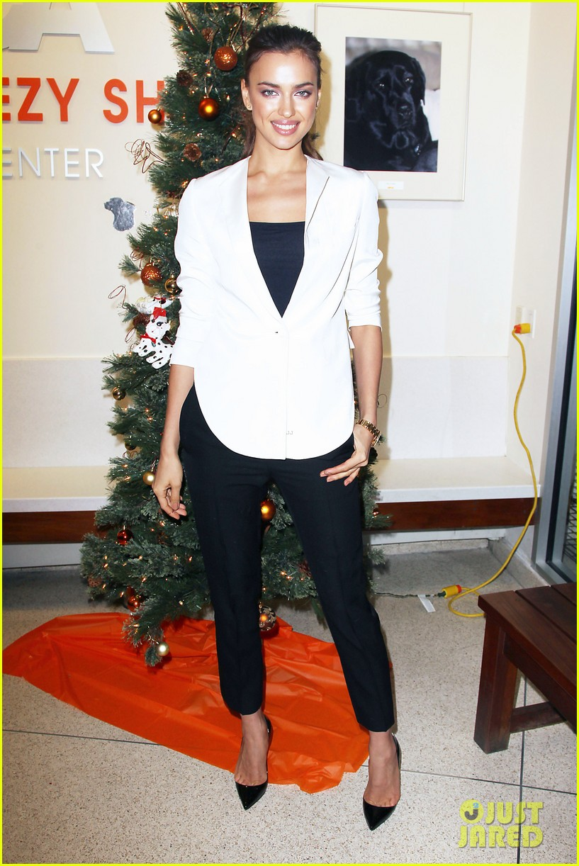 irina shayk aspca adoption center visit 12