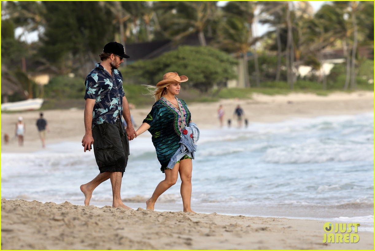 jessica simpson first post pregnancy announcement sighting 02