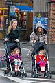 sarah jessica parker bundled up school run 01