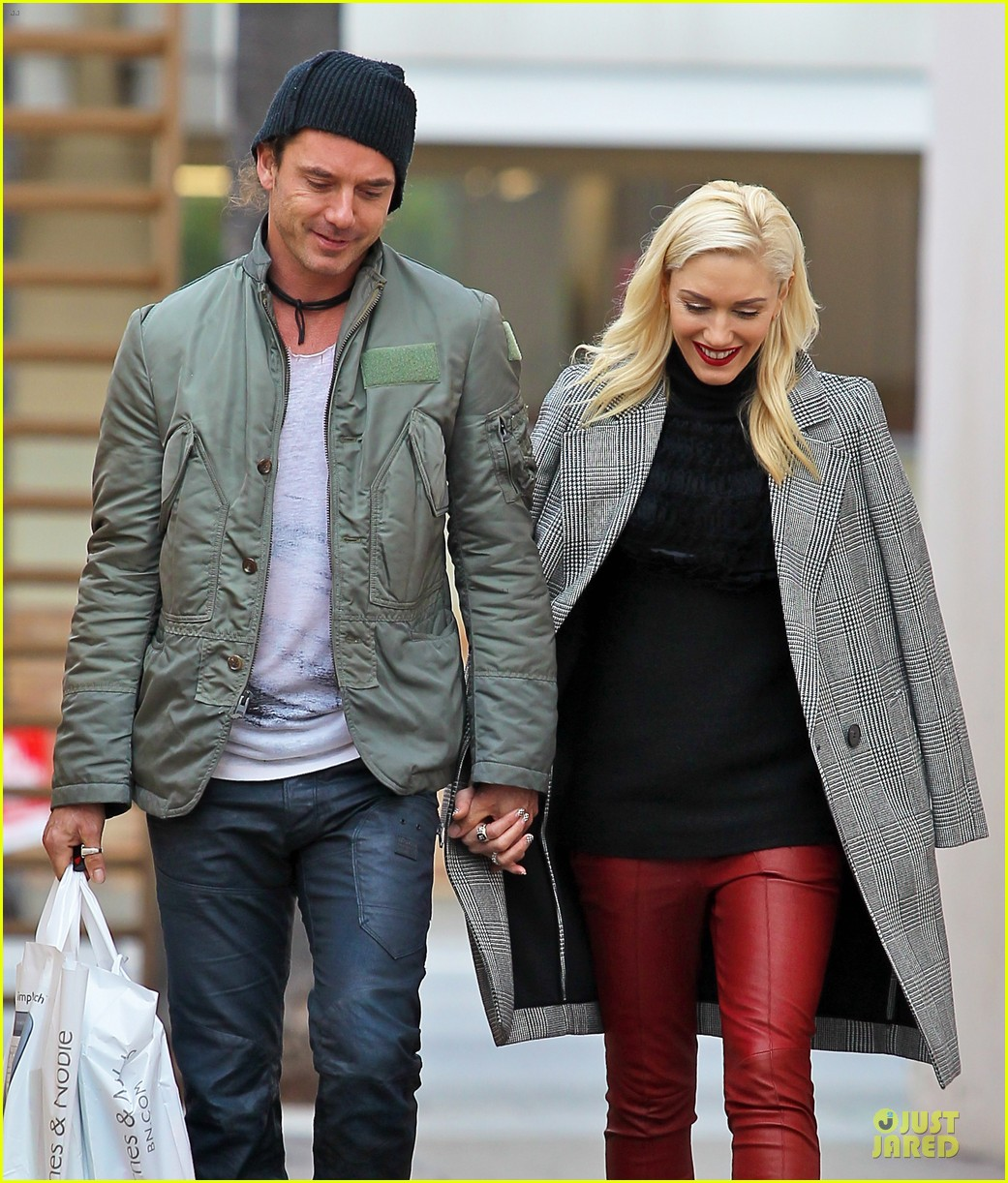 gwen stefani & gavin rossdale holiday shopping couple 08