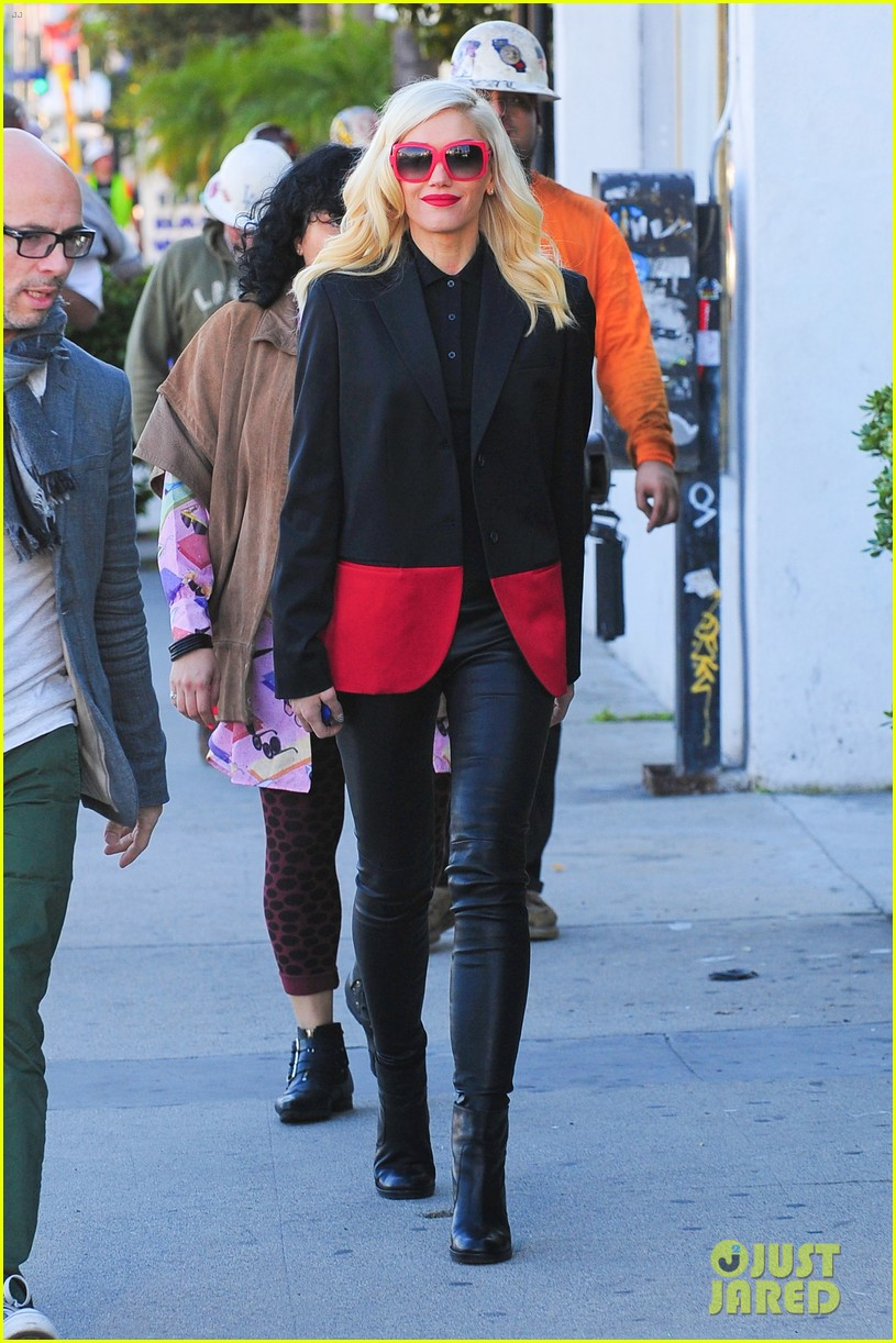 gwen stefani west hollywood shopper 03