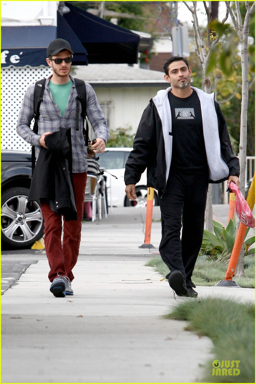 emma stone& andrew garfield separate outings with friends 13