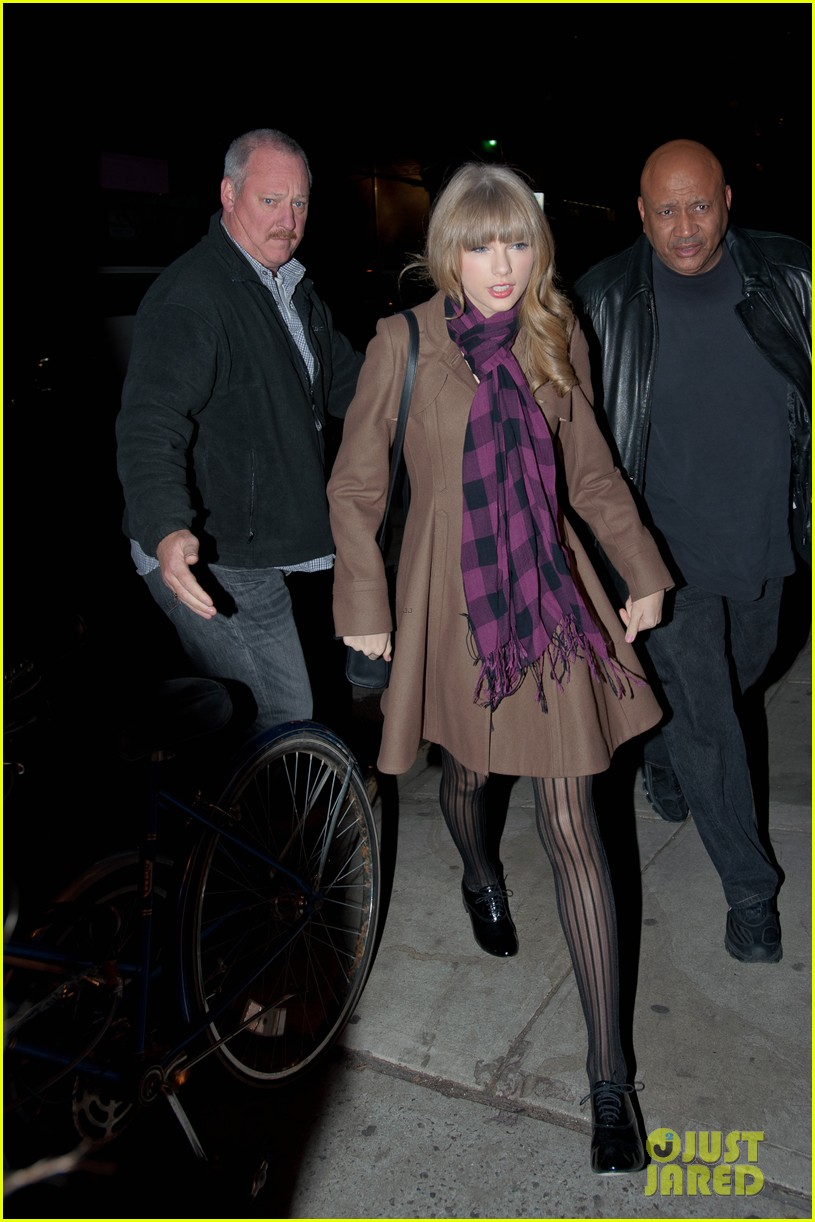 taylor swift back big apple 112770800