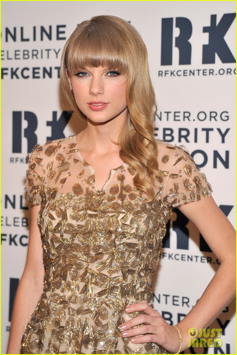 taylor swift dianna agron ripple of hope gala 2012 15