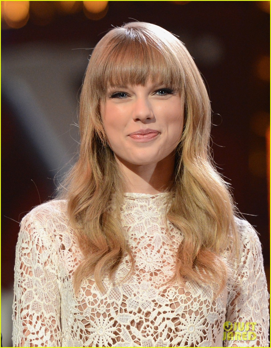 taylor swift grammy nominations concert 02