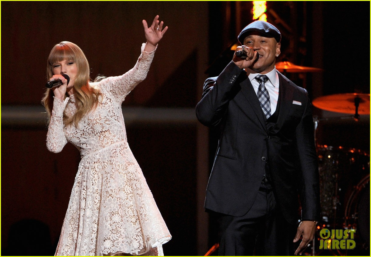 taylor swift grammy nominations concert 10