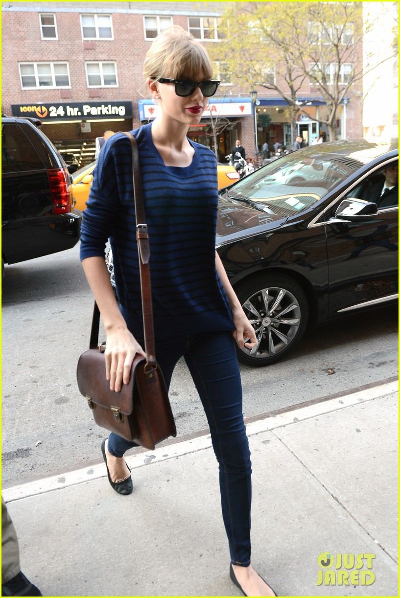 taylor swift striped starlet after harry styles date 17