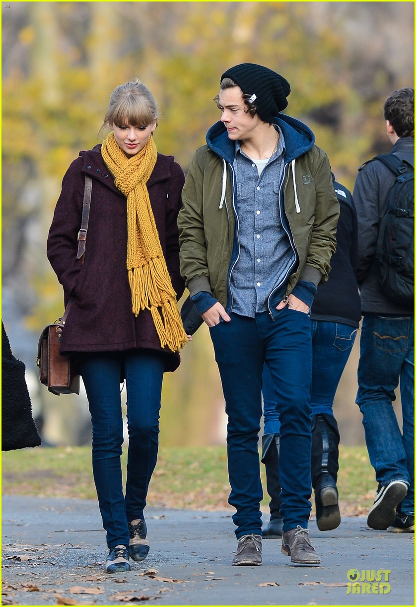taylor swift harry styles central park stroll 01