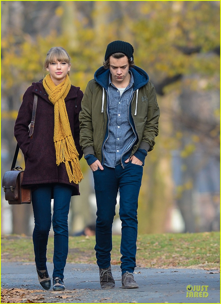 taylor swift harry styles central park stroll 07