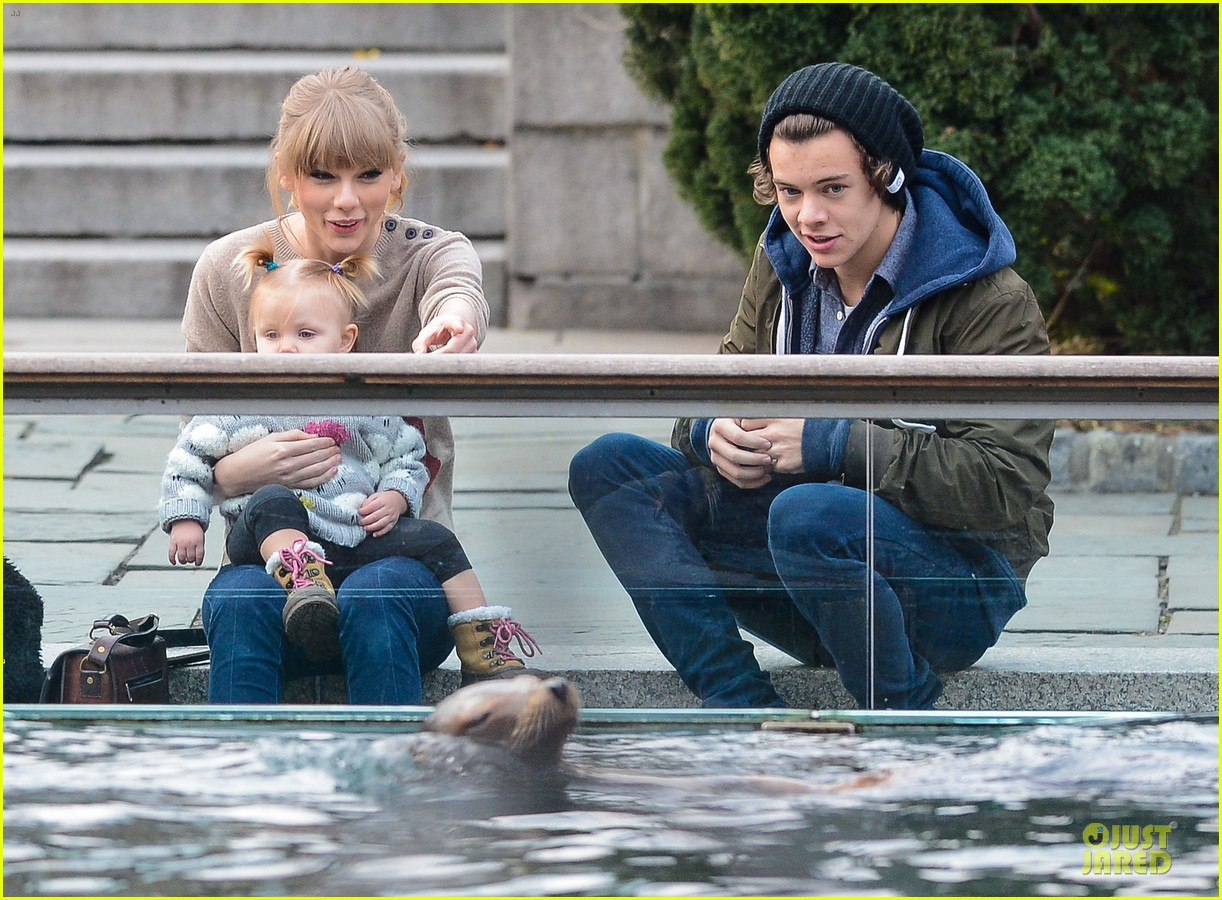 taylor swift harry styles central park stroll 17