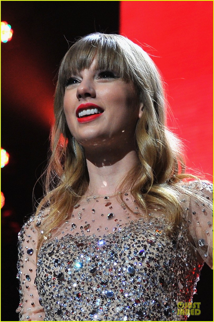 taylor swift z100 jingle ball 2012 152771544