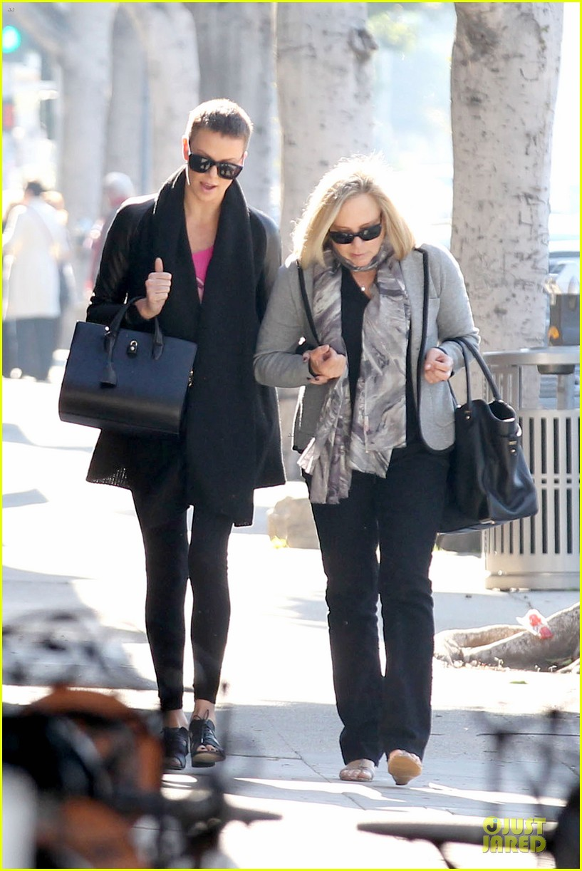 charlize theron pampers mother gerda 07