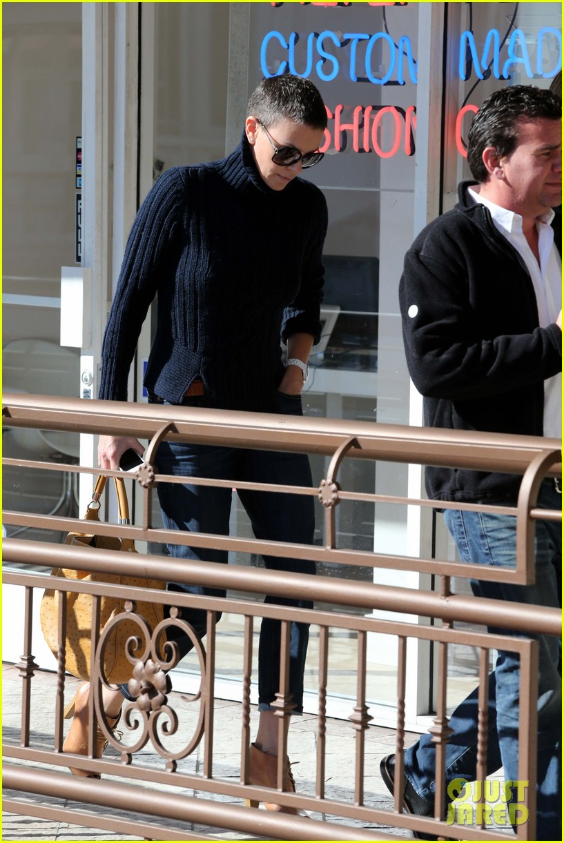 charlize theron west hollywood lunch with pals 02