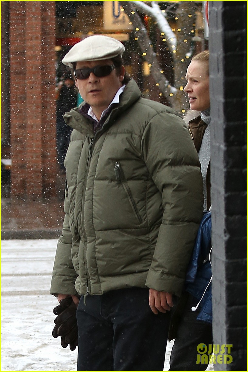 uma thurman arpad busson snow aspen stroll with maya 02