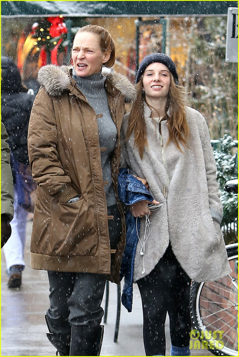 uma thurman arpad busson snow aspen stroll with maya 182780793