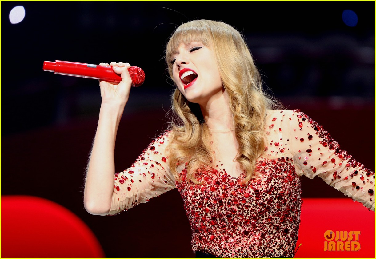 taylor swift kiis fm jingle ball 22