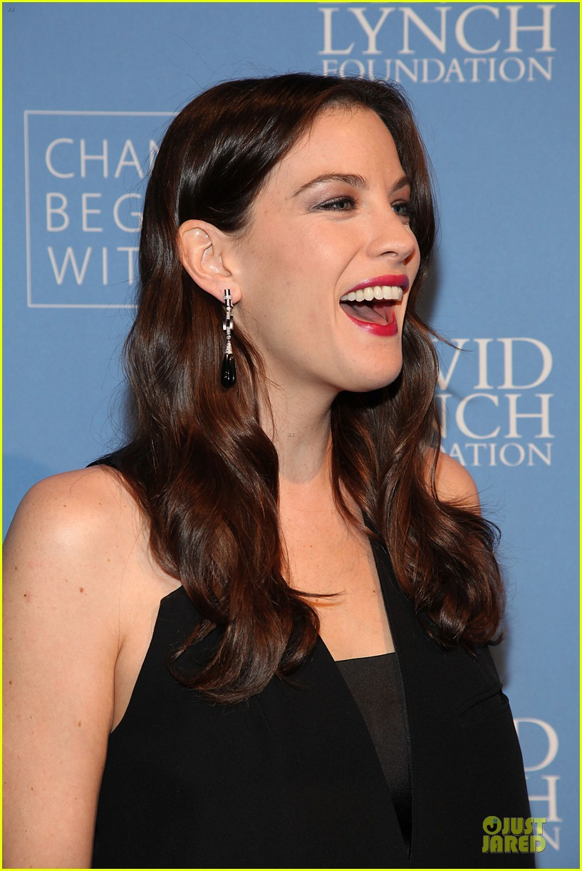 liv tyler milos birthday walk 06
