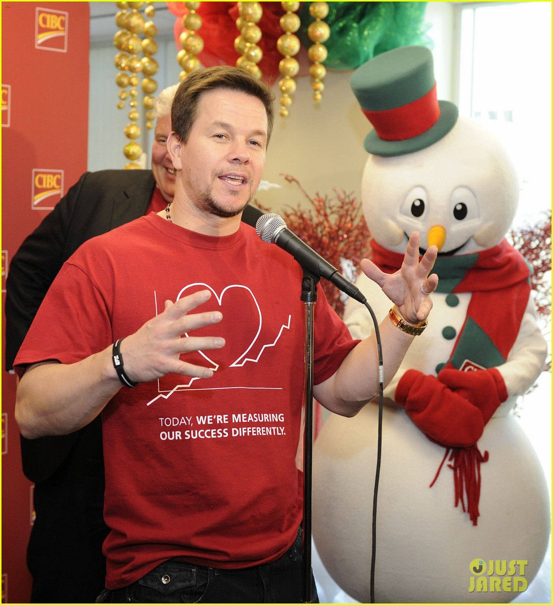 mark wahlberg cibc miracle day 08
