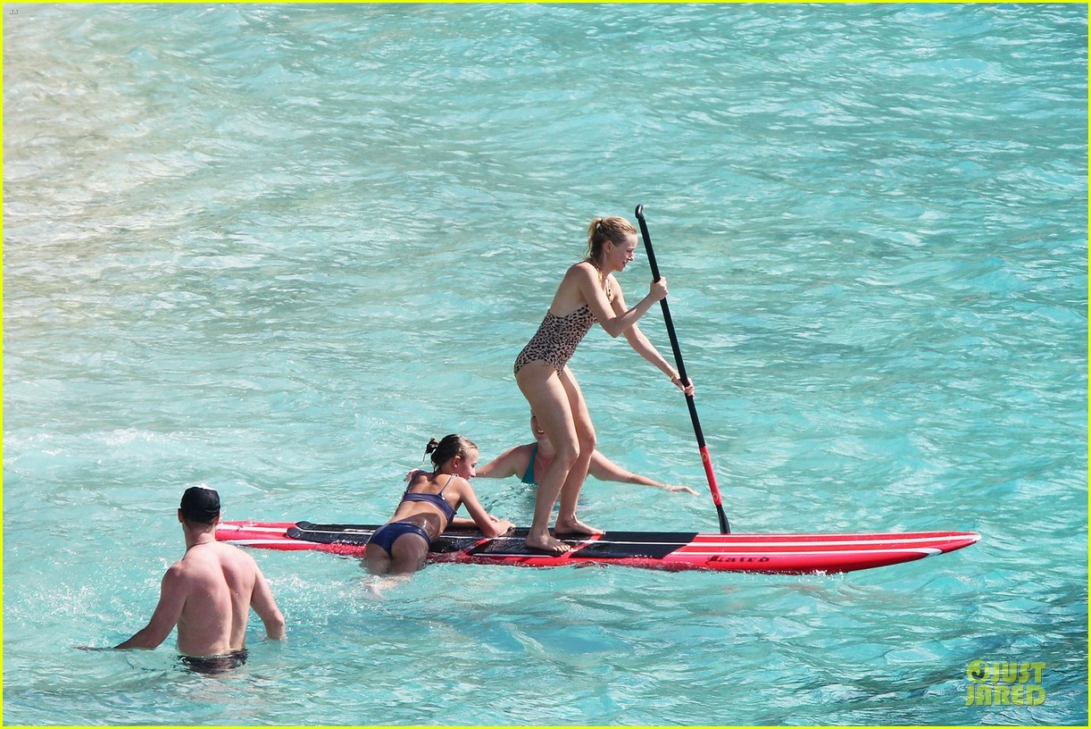 naomi watts st barths beach fun with shirtless liev schreiber 15