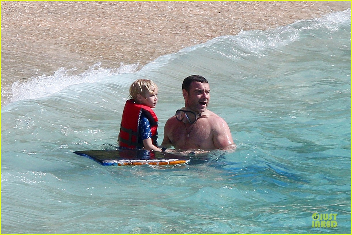 naomi watts st barths beach fun with shirtless liev schreiber 16