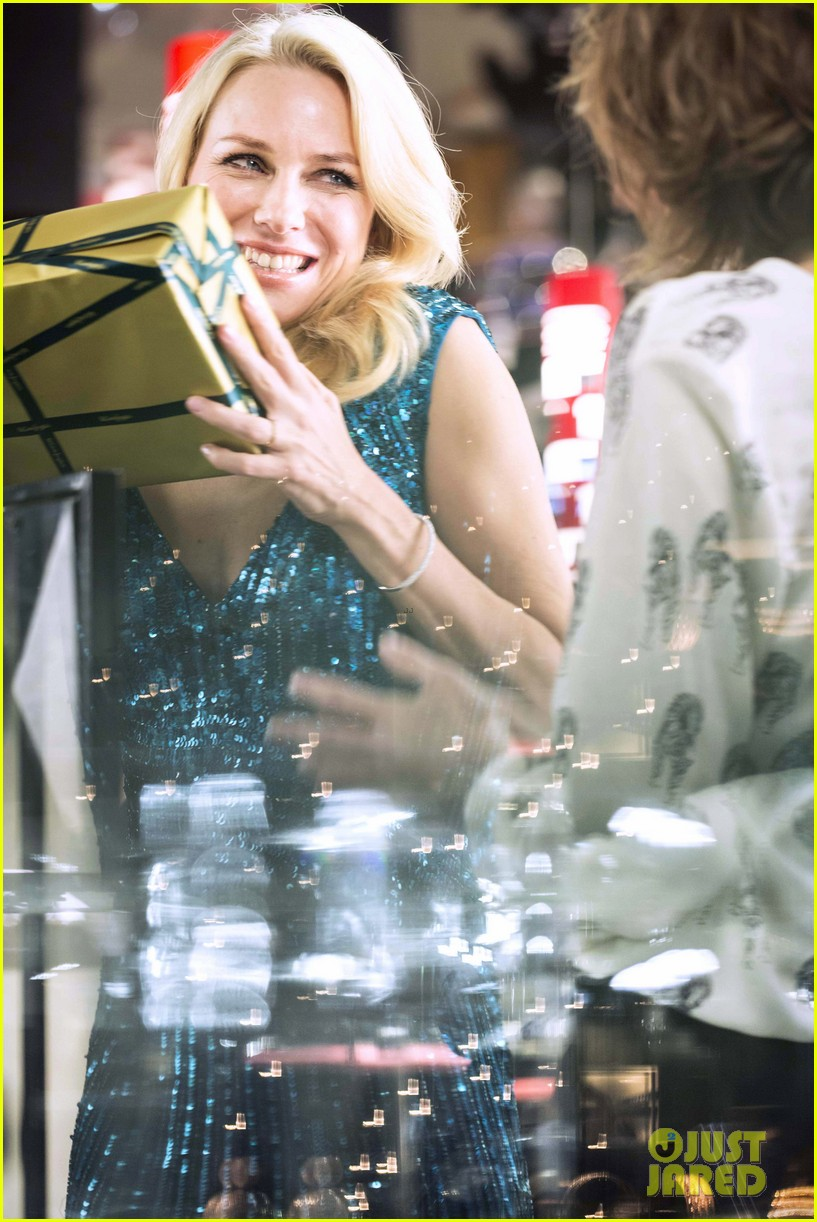 naomi watts promo shoot with panda bear 05