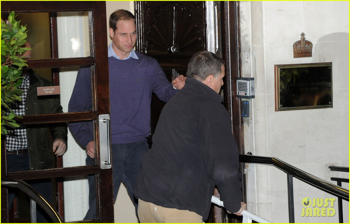 prince william visits pregnant kate middleton in hospital 09