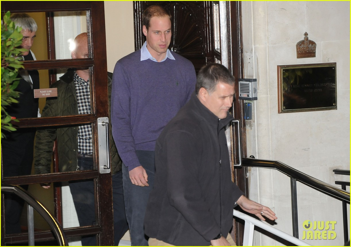 prince william visits pregnant kate middleton in hospital 102769049