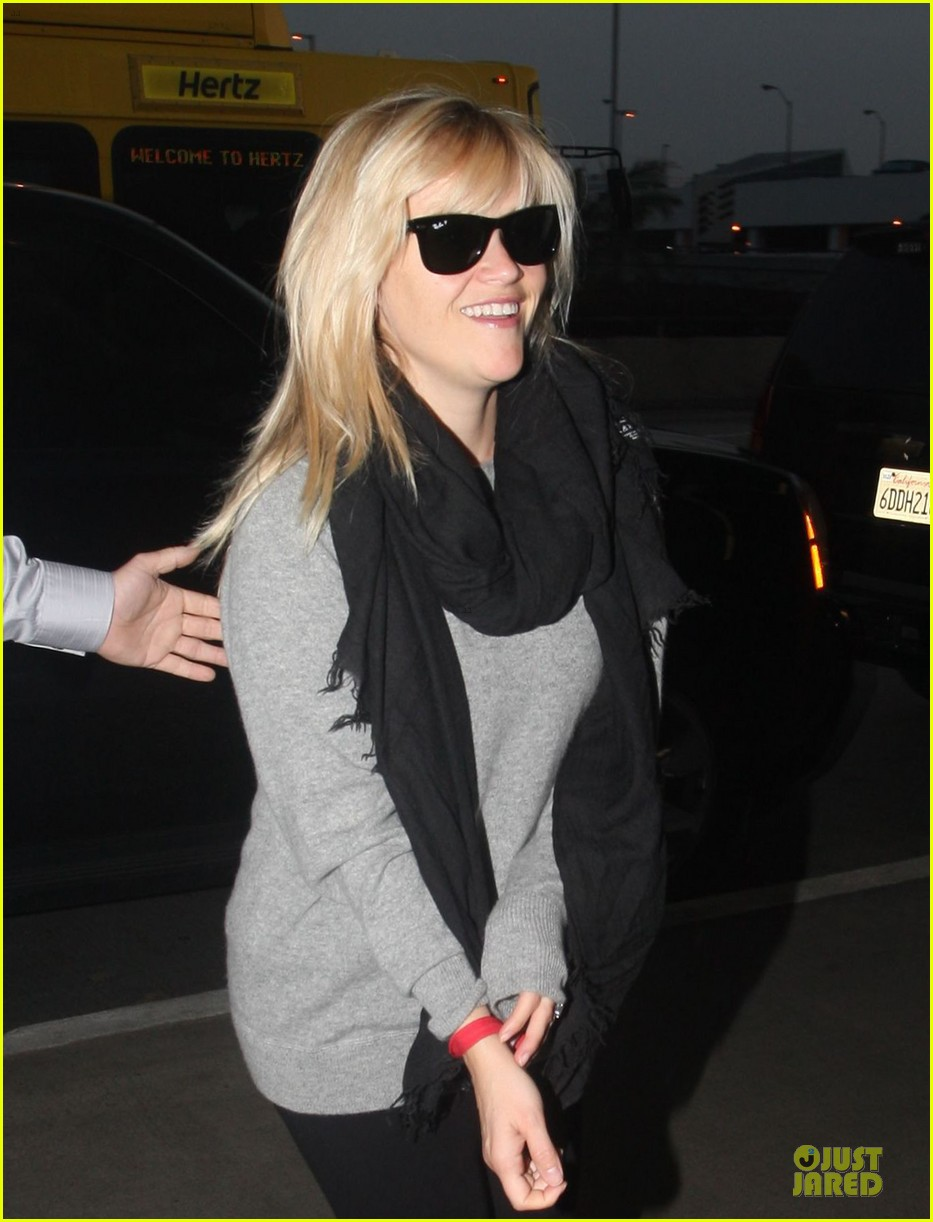 michael buble is thrilled to work with reese witherspoon 062769217