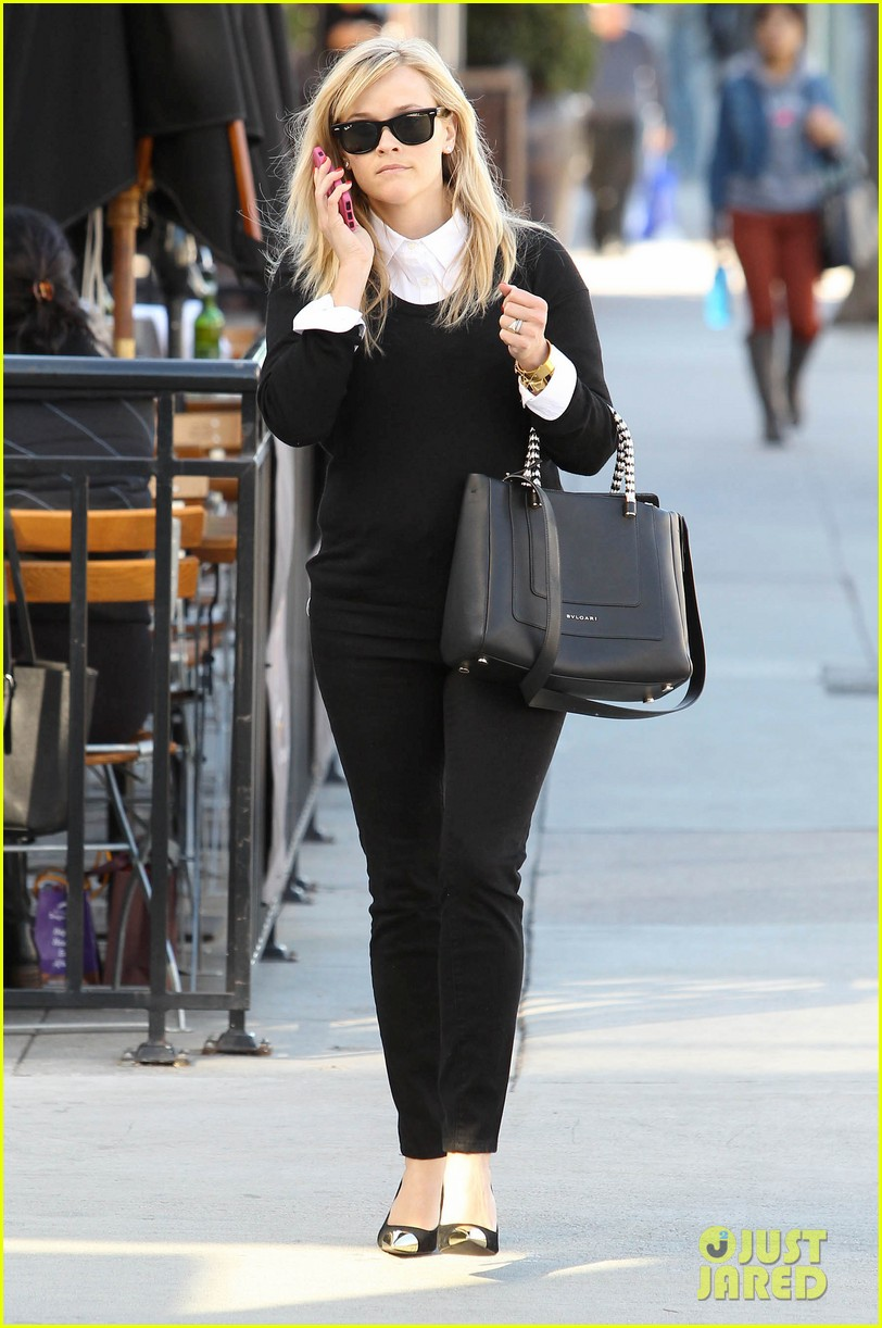 reese witherspoon le pain quotidien lunch 01