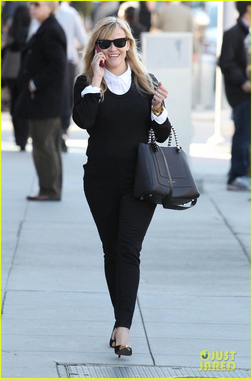 reese witherspoon le pain quotidien lunch 02