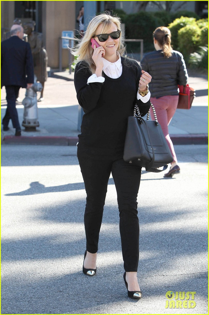reese witherspoon le pain quotidien lunch 032779014