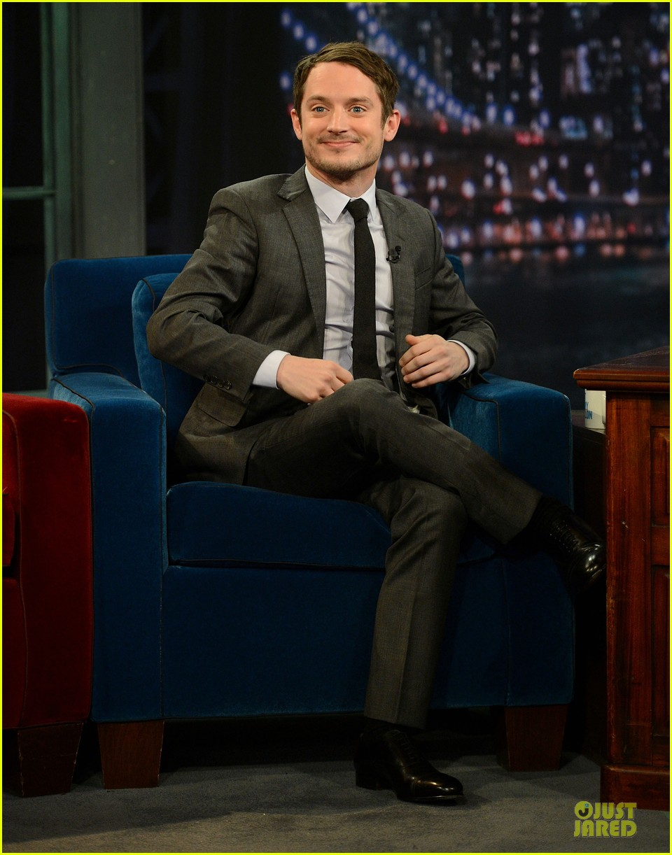 elijah wood late night with jimmy fallon appearance 032771734