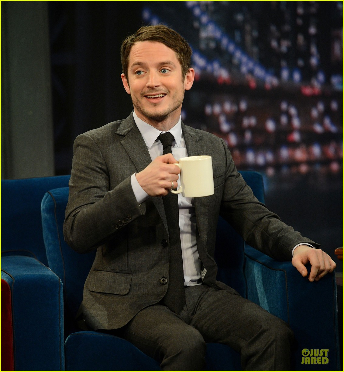 elijah wood late night with jimmy fallon appearance 04